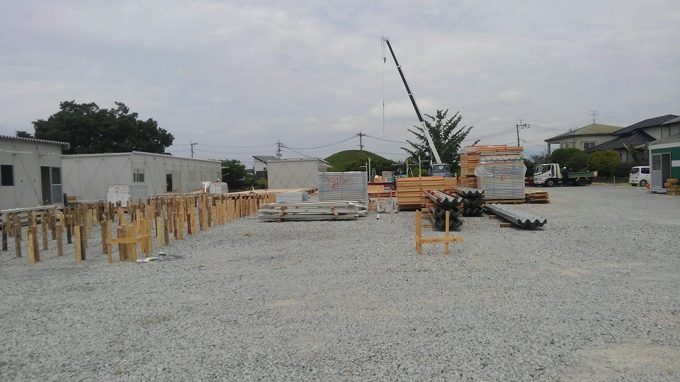 仮設住宅建設の様子